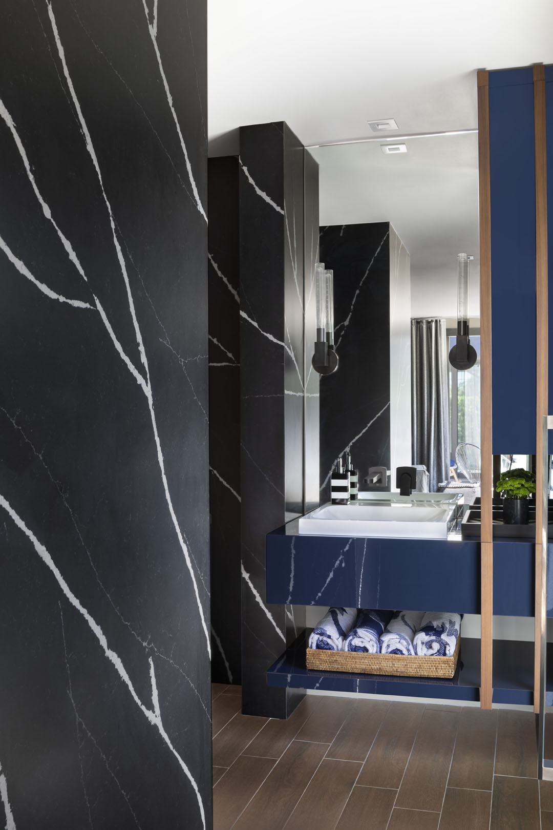 Silestone Eternal Marquina Bathroom 2