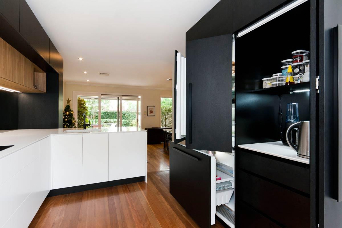 Quantum Quartz Alpine White Sharknose Kitchen Design Polytec Black Oak Woodmatt Blum Aventos Kirribilli 4