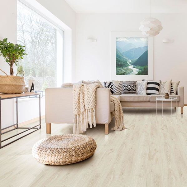 Hybrid flooring combines the best of laminate and vinyl: here's 5 reasons to love it