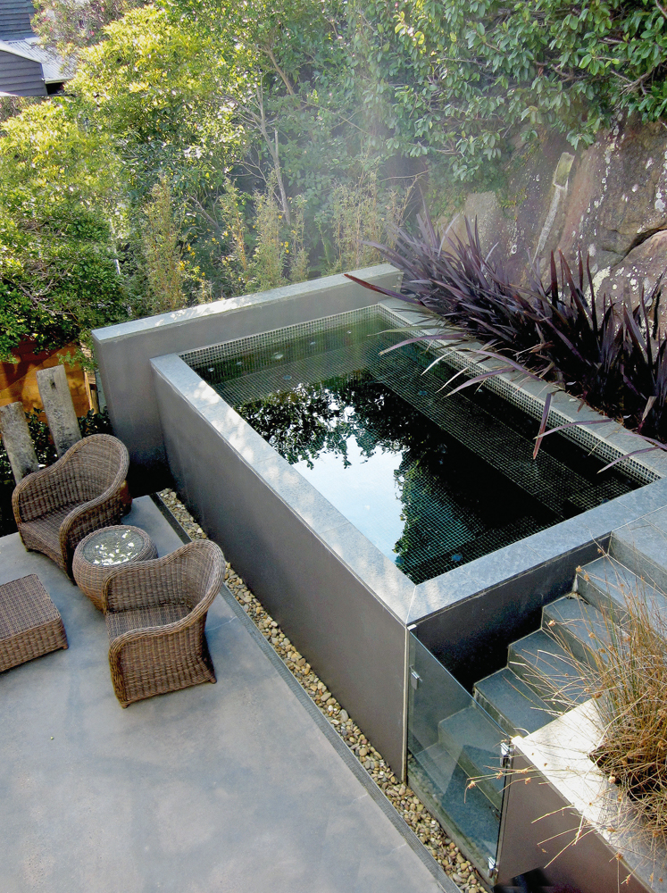 Small space pools: great outdoor ideas for small backyards