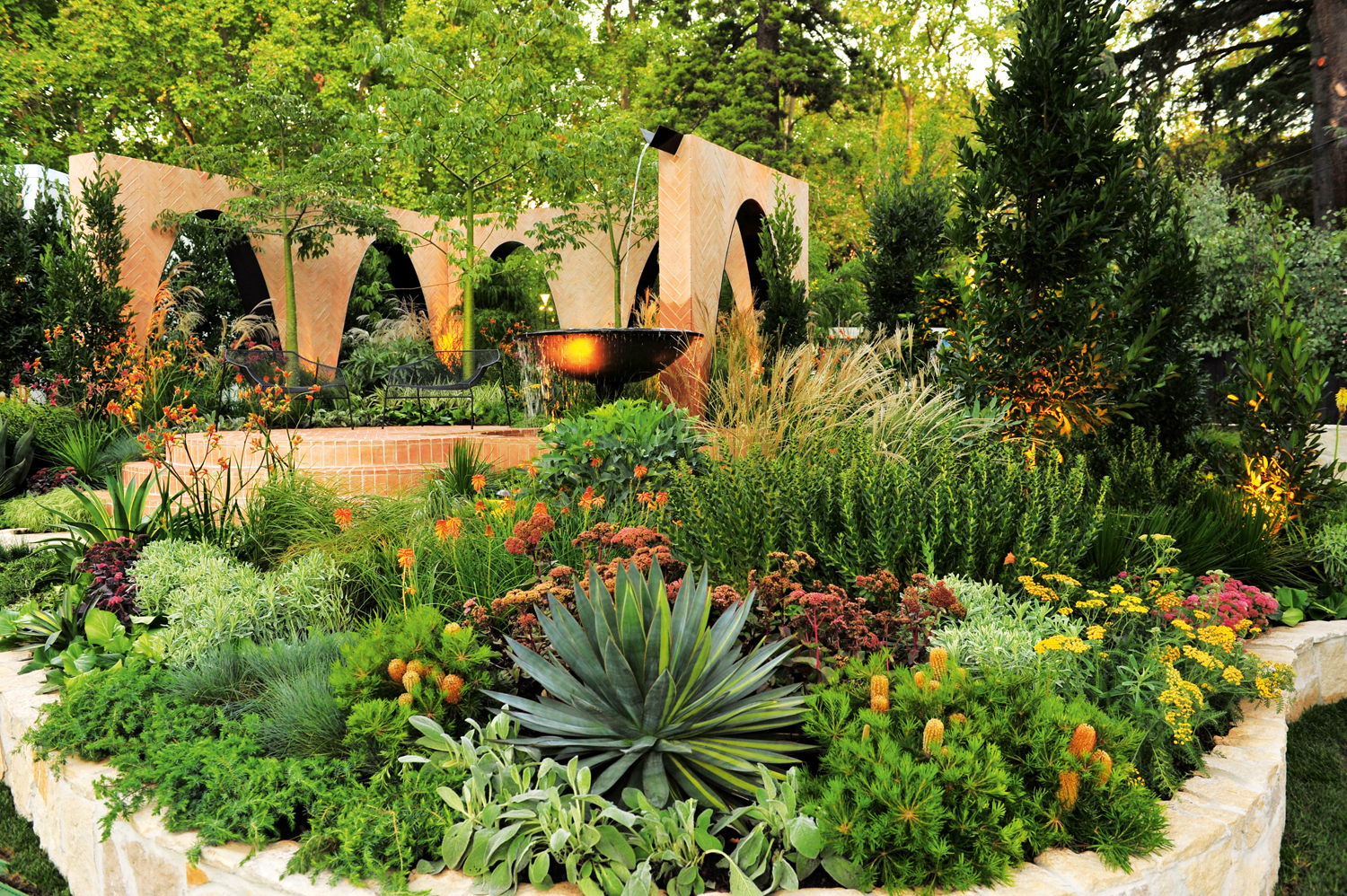 This striking courtyard garden has won 4 awards