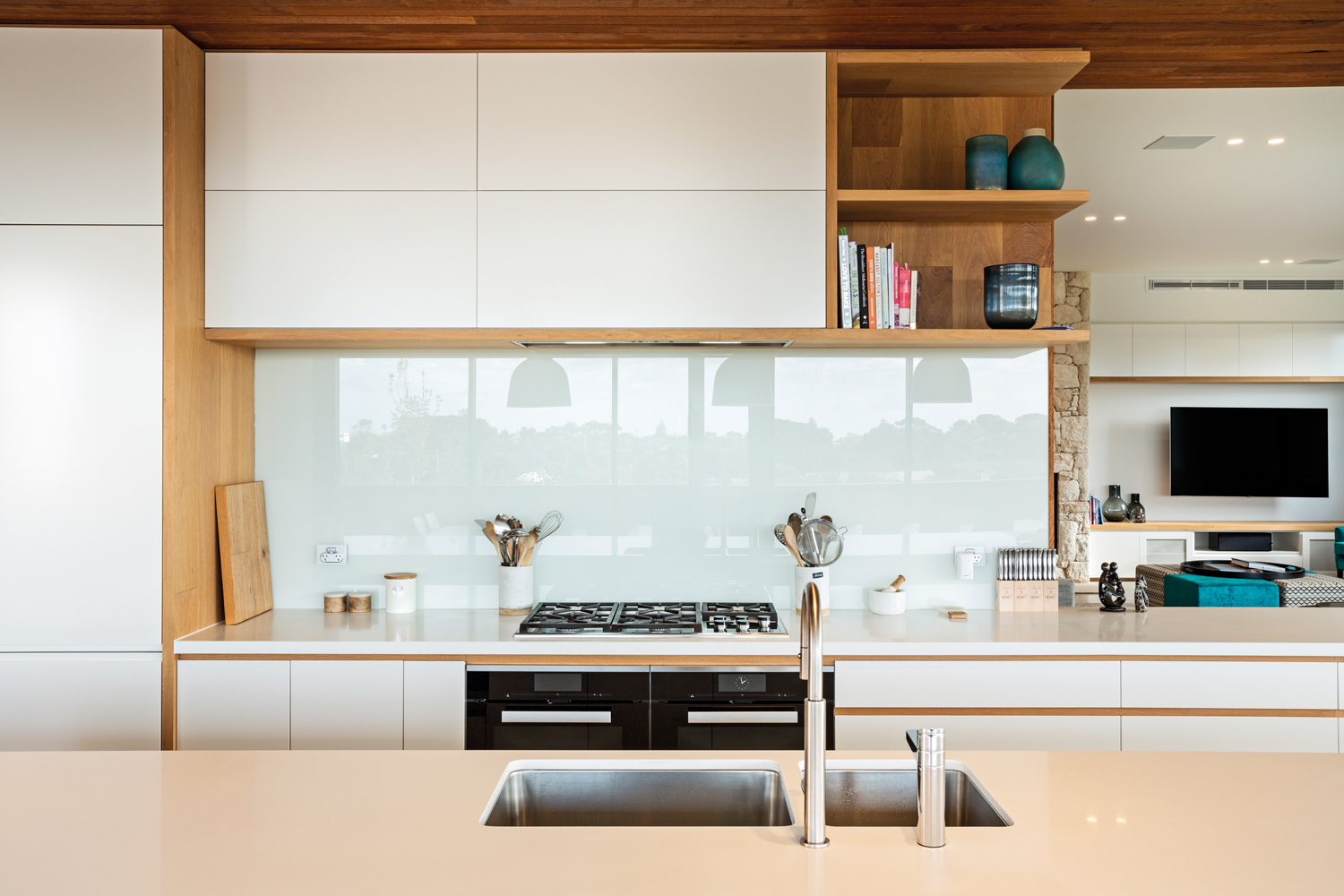 This Modern Minimalist Kitchen Blends Natural Light With
