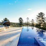 Infinity edge pool by Artesian Pools