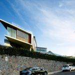 The Clifftop House: An Unorthodox Raised Extension
