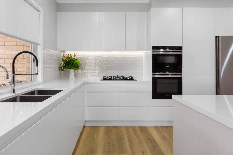 Modern Kitchen Design Sydney White Kitchen Bosch Fisher Paykel Dulux Silestone Siemens Zip Tap 2