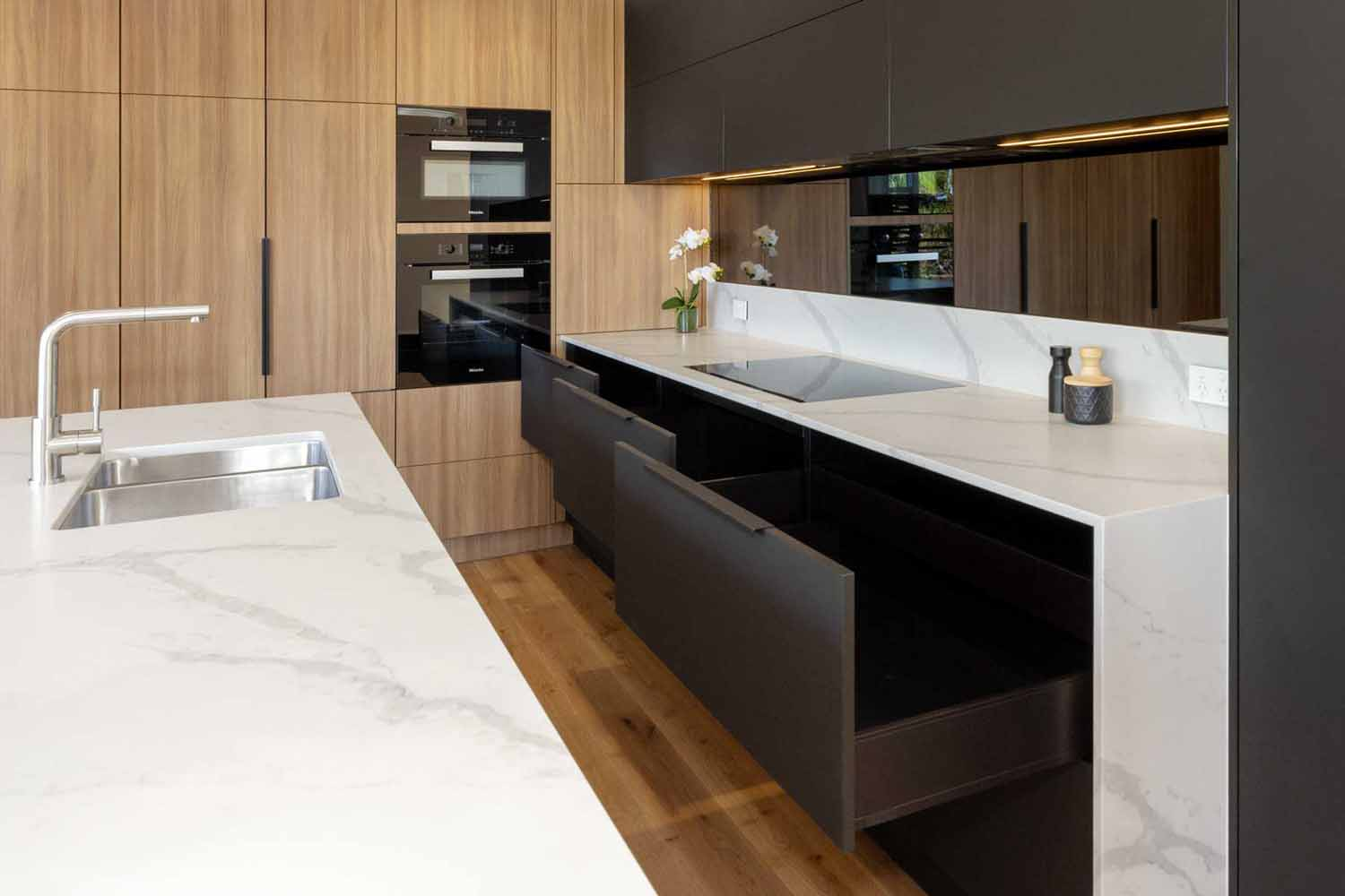 Kitchen Design Sydney Contemporary Black White Timber Miele Fisher Paykel Dulux 6