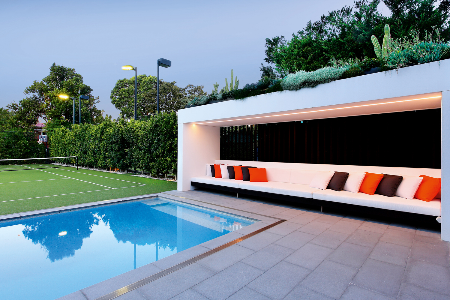 An award-winning outdoor space fusing formal and modern design