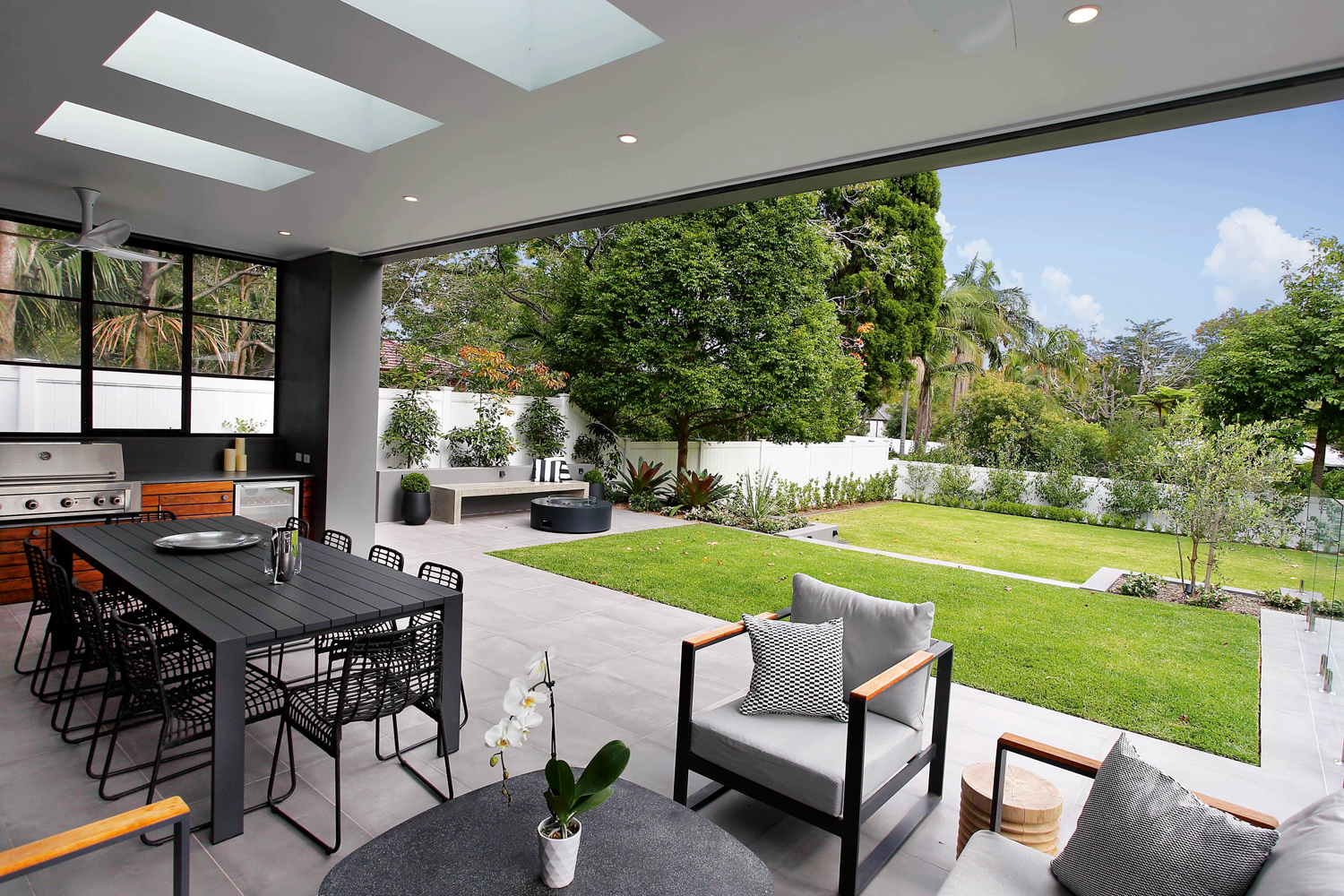 Easy elegance: a relaxed pool and garden area