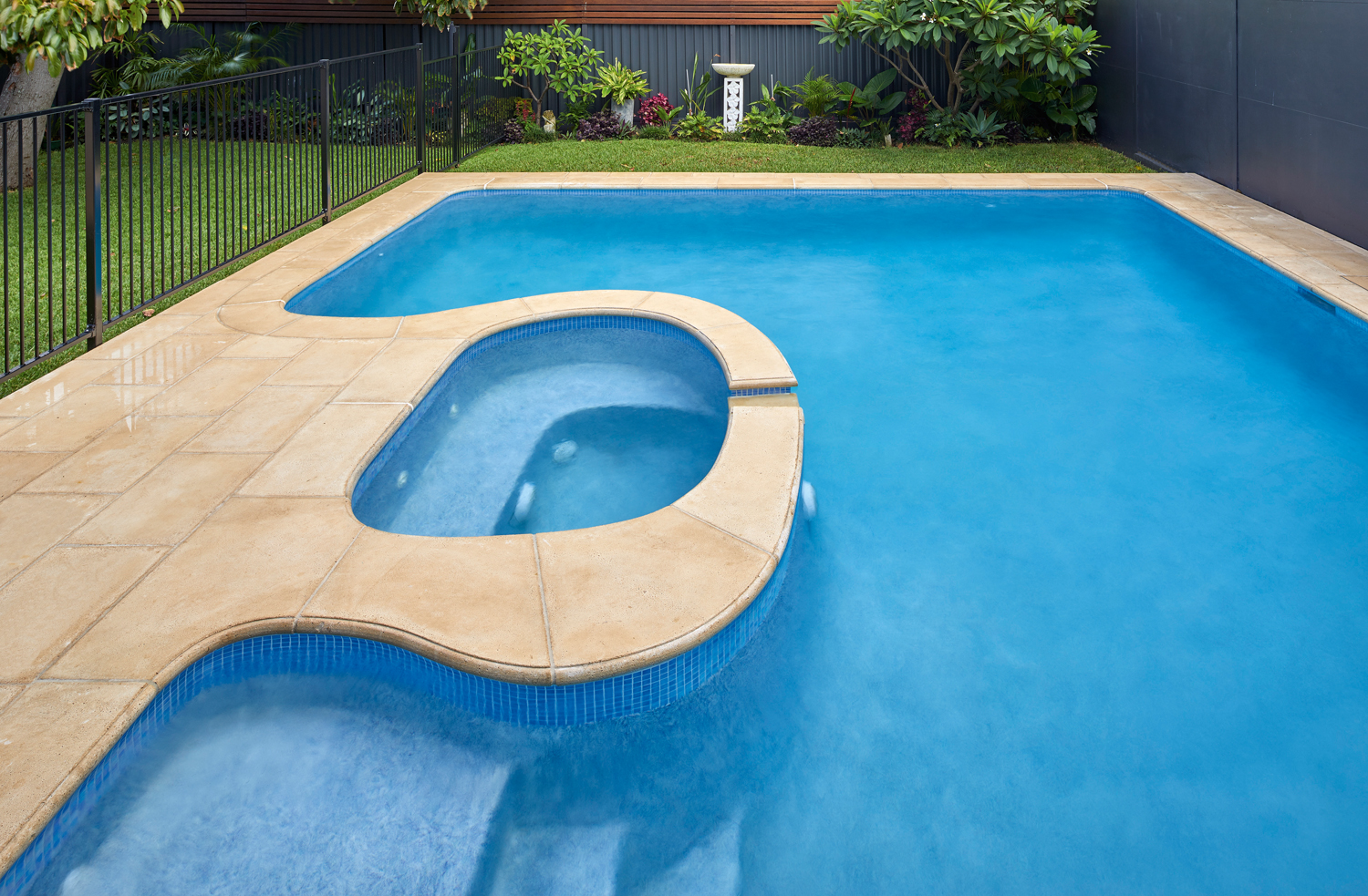 This stone pool coping is highly versatile and functional in any space