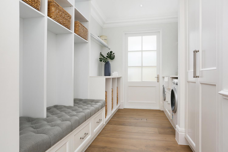 K:\UM Digital\Alex Dalland\Client material\_Complete Home\Hardware & General\20210114_Resort Style Luxury Home