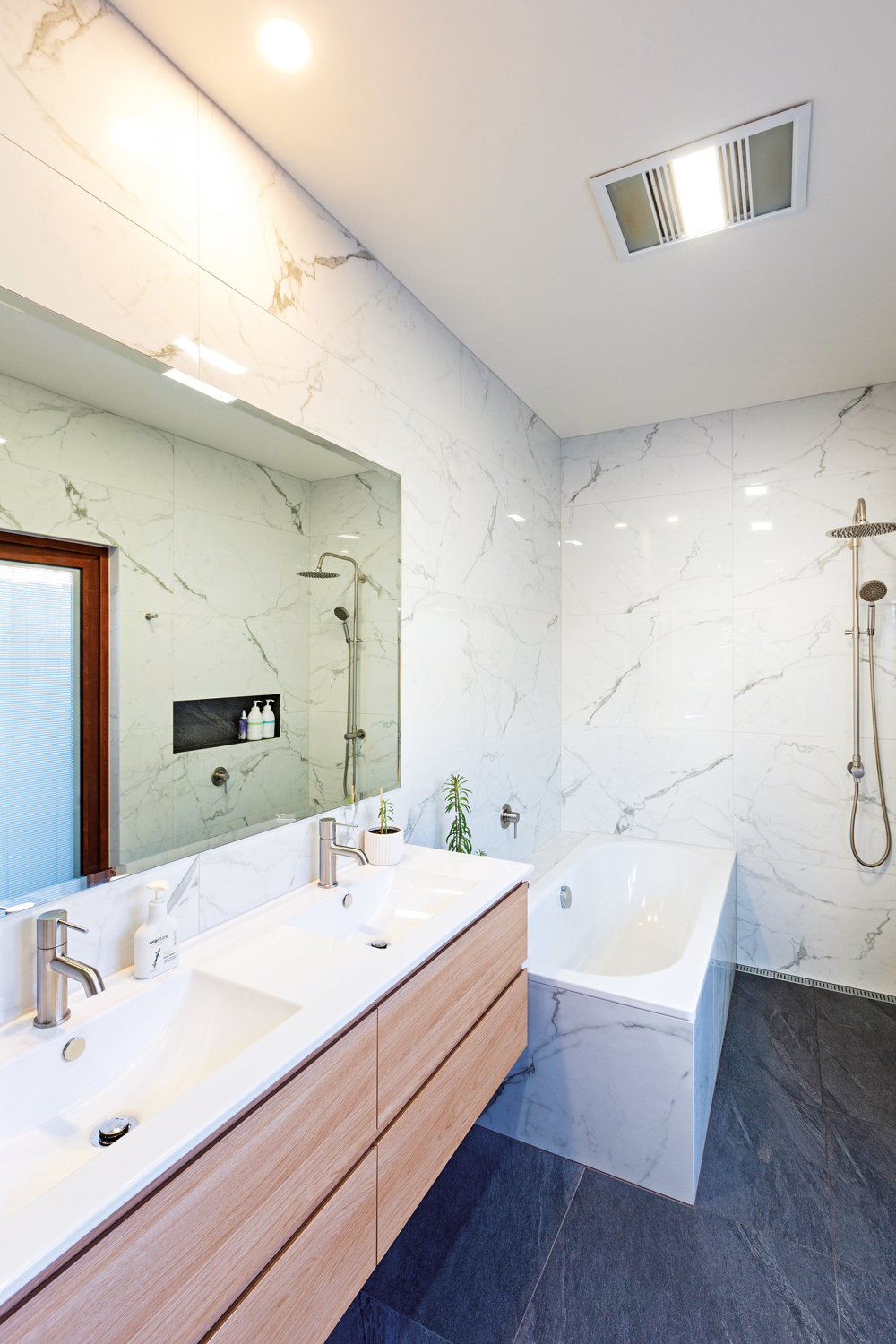 Simple style and a splash of colour in the master ensuite
