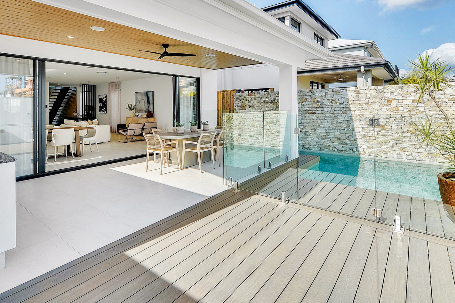 Versatile, eco-friendly composite decking to get the perfect look