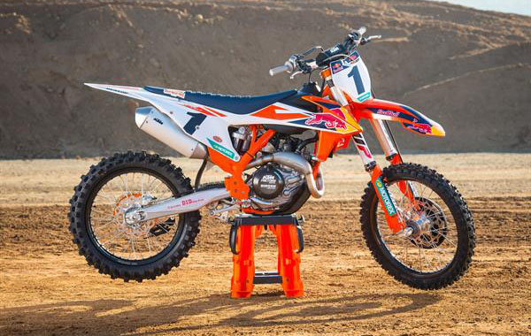 KTM 450 SX-F Factory Edition MY 2018_Static_01 © Simon Cudby