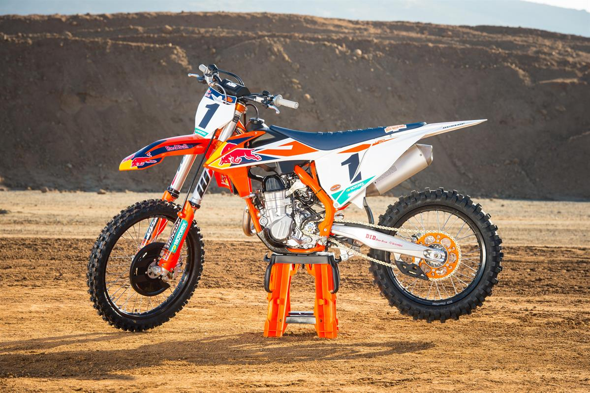 KTM 450 SX-F Factory Edition MY 2018_Static_02 © Simon Cudby
