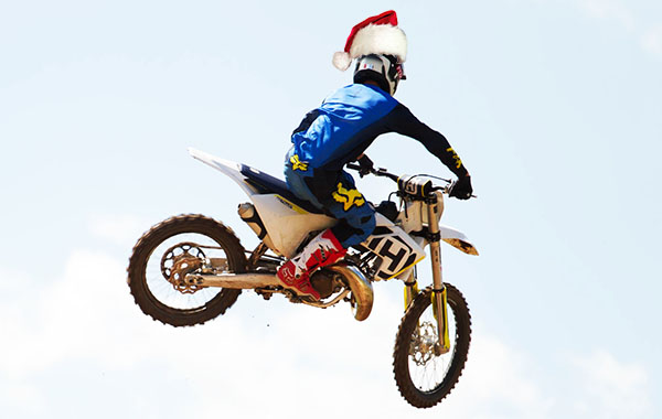 DIRT ACTION CHRISTMAS GIFT GUIDE