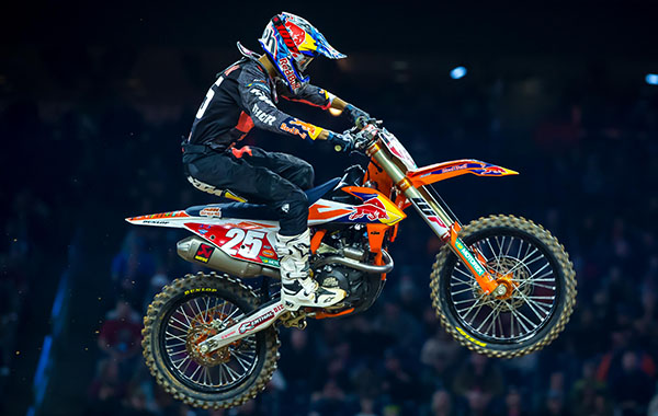 MARVIN MUSQUIN INJURED