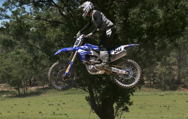 How To Jump A Motocross Bike