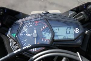Yamaha R3 review