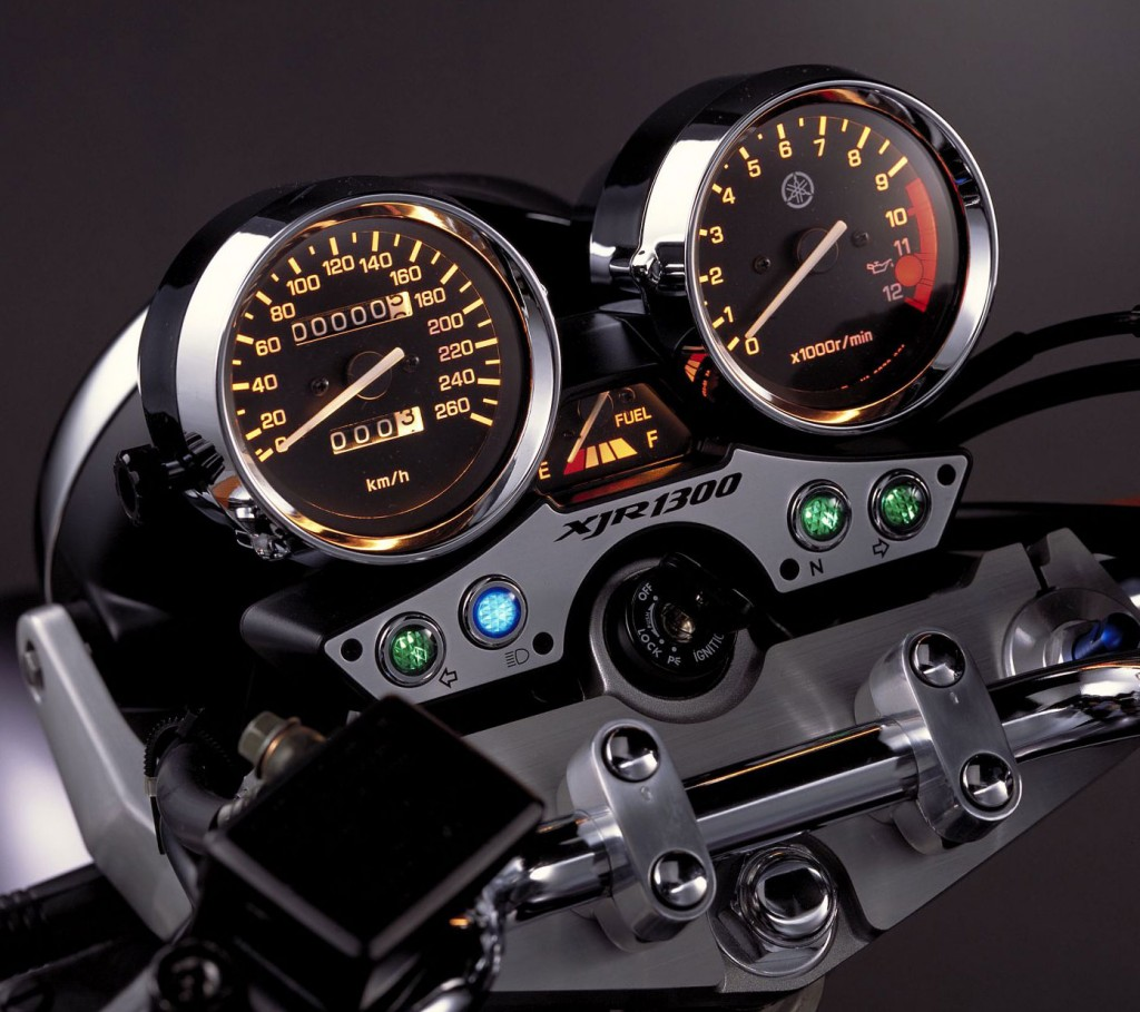 2002-Yamaha-XJR1300z