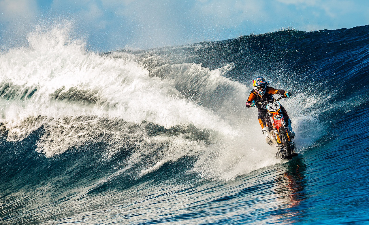 Robbie Maddison will bring his unique waterbike to the Sydney Motorcycle Show.