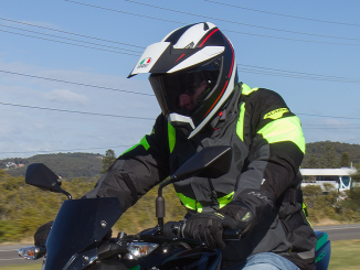 Kawasaki Z400 MY2019 – 66701 action