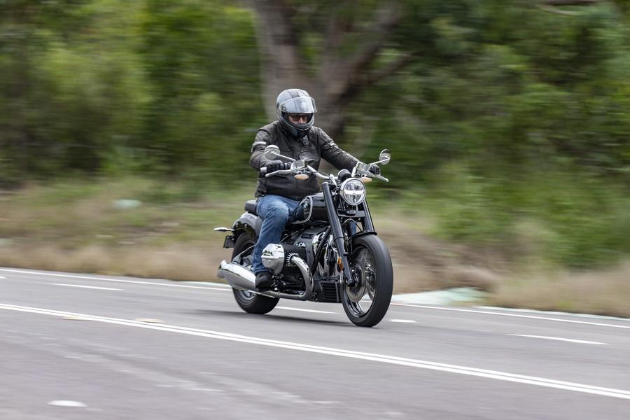 Aust Road Rider-BMW R1800-99