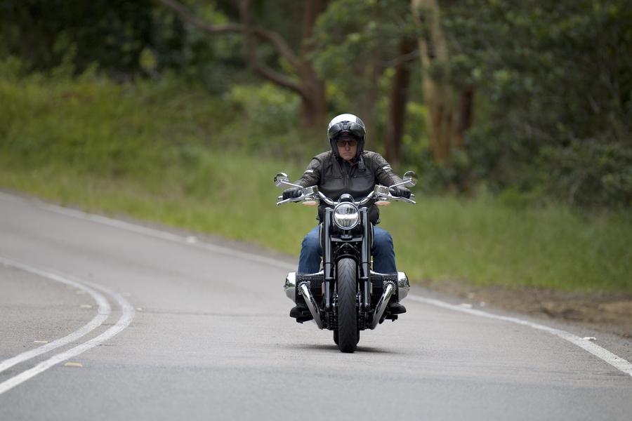 Aust Road Rider-BMW R1800-3