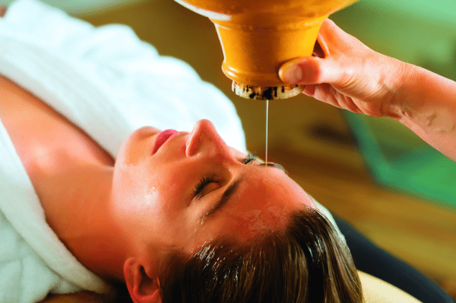 Ayurveda oil massage treatment
