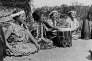 Four hula chanters