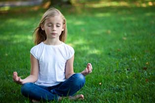 yoga_children_kids_exercise_wellbeingcomau