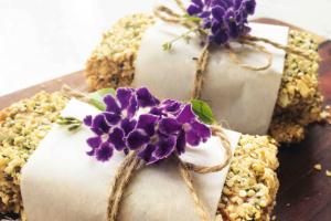 Nut-Free Muesli Bars Recipe