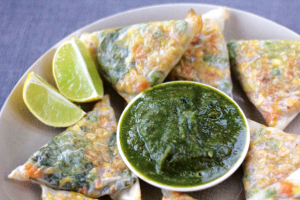 Vegetable Triangles with Mint Chutney