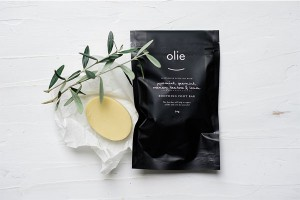Olieve & Olie Foot repair bar