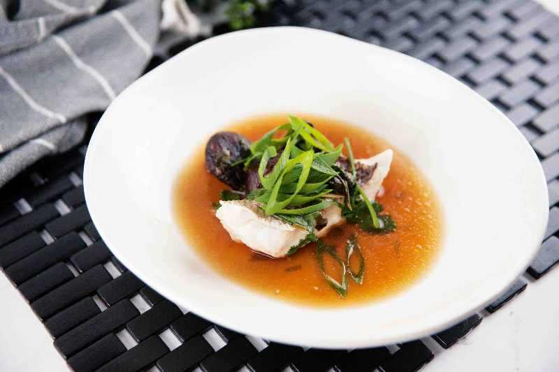 Steamed Snapper Fillets with Oriental Broth & Black Beans