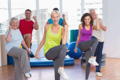 smiling people doing power fitness exercise- brain volume