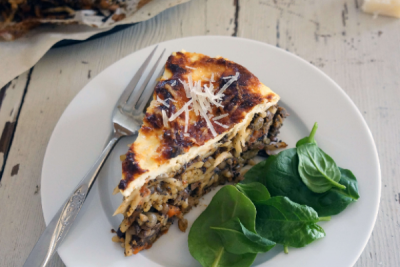 Vegetarian Mushrooms and Lentil Bolognese Pasta Cake Recipe