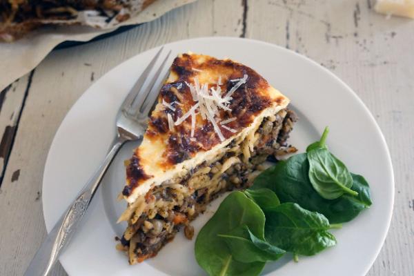 Vegetarian Mushrooms and Lentil Bolognese Pasta Cake Recipe