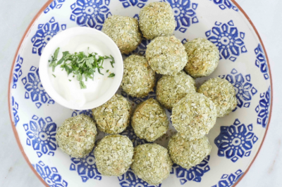 Oven-Baked Pea Falafels with Yoghurt and Tahini Sauce Recipe