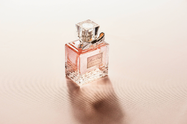 Are synthetic fragrances good for your health? We take an in-depth look