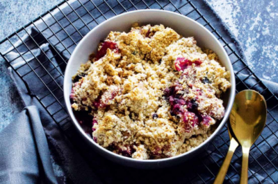 Healthy Gluten-free Apple and Blackberry Crumble Recipe