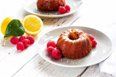 Gluten-free Raspberry and Lemon Mini Cakes Recipe