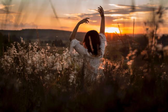 Rewild your yoga practice? Return to nature, the original yoga studio