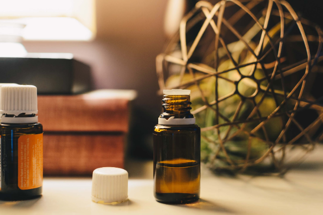 12 essential oil blends that will keep you balanced this summer