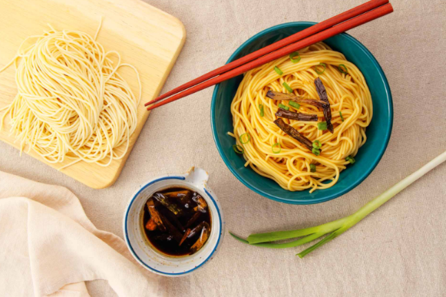Green Onion Noodles with Oyster Sauce