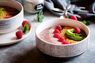 Healthy Chocolate and Raspberry Smoothie Bowls Recipe