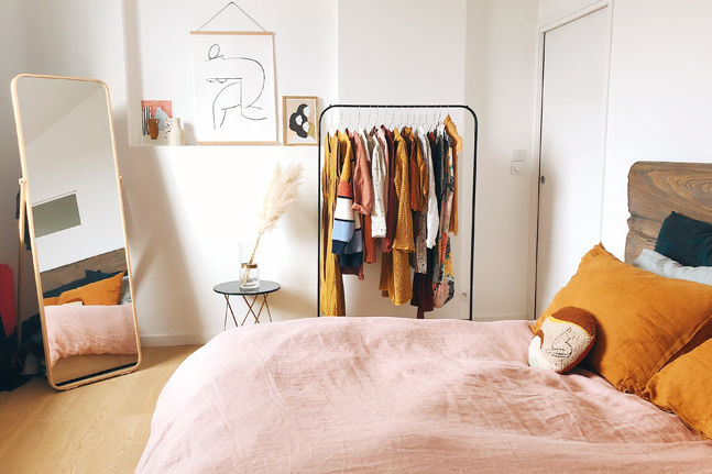 Low-tox expert Alexx Stuart explains how to create a capsule wardrobe