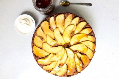Apple And Cinnamon Picnic Cake Recipe