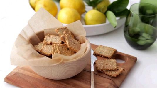Lemony Herb Crackers Recipe