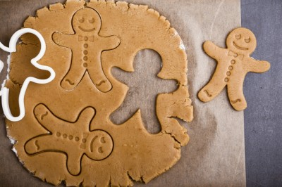 Gluten-Free Gingerbread People Biscuits with Dried Currants Recipe