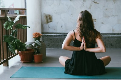 How to use yoga for body love and self-acceptance